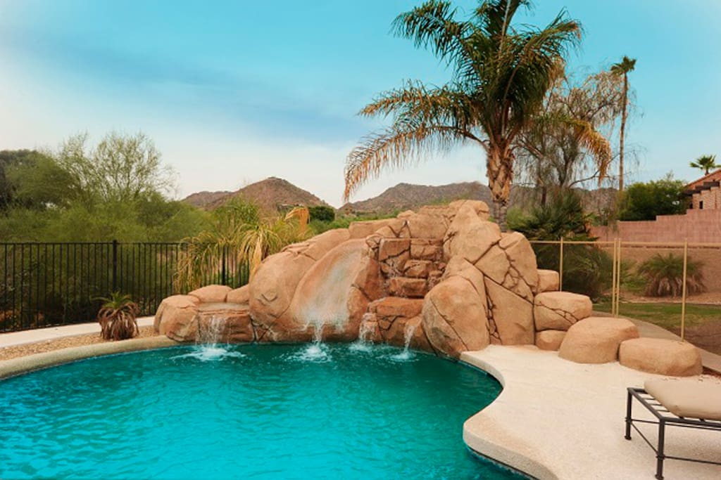 HEATED POOL & SPA - FUN FOR THE WHOLE FAMILY