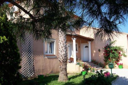 Chambre SAVANNAH Proche MER au  CLOS SAINT JEAN - Villelongue-de-la-Salanque