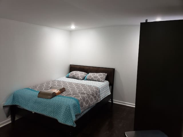 Newly renovated bedroom, quiet, clean.