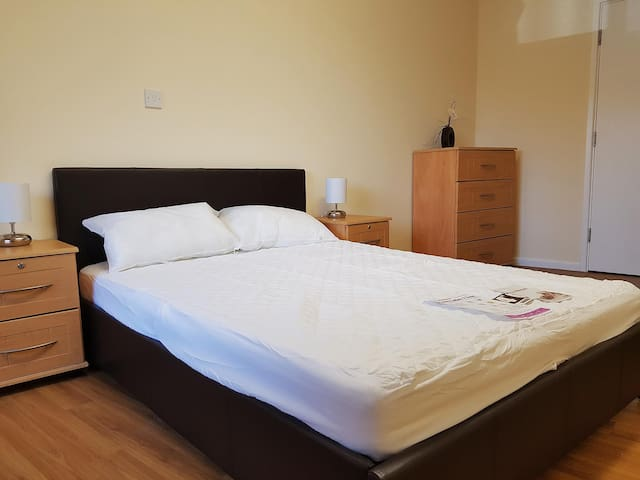 Newsome -modern fully ensuite room 37 Huddersfield - Huddersfield - Apartment