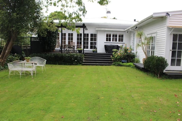 Bungalow by Cornwall Park