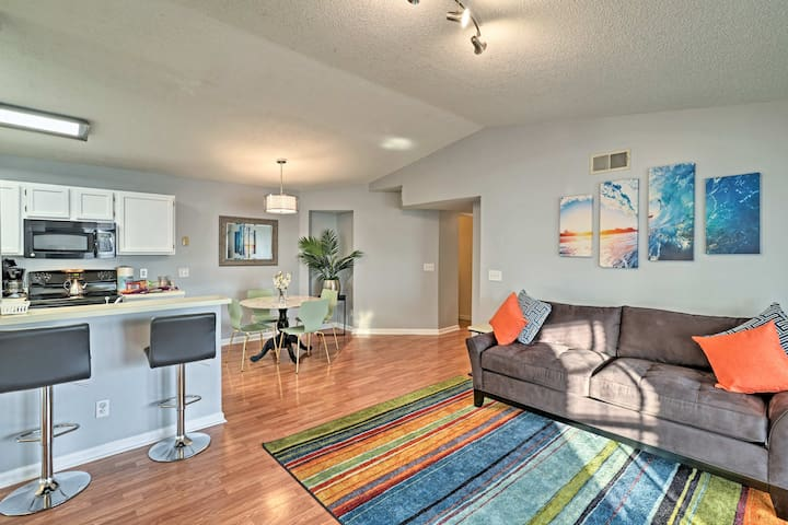 Updated Condo w/Pool Access Mins to Surfside Beach
