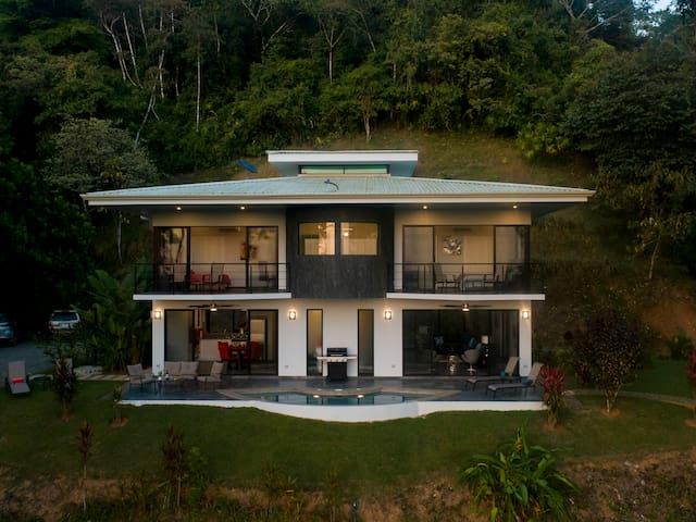 Casa Cristal - Private, Majestic Ocean Views