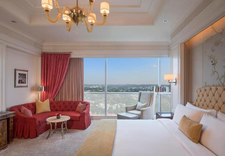 St Regis Luxury Suite (inc continental breakfast)