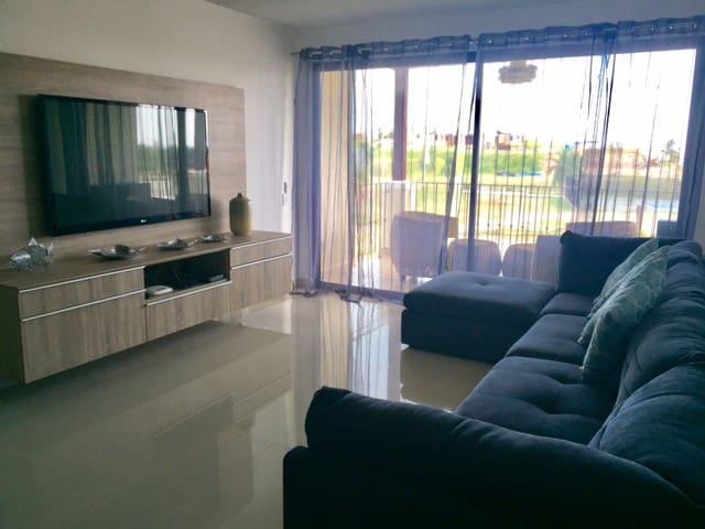Moderno Apartamento de Playa, Coronado, Panama