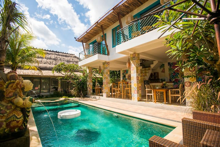 Ubud Dream-III: 2-BDR apartments above the pool