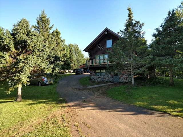 Indianhead Log Home by Ski Resort