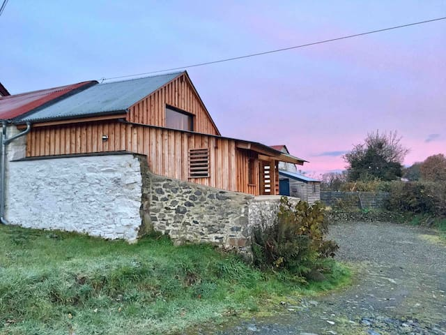 The Pig Let, cosy cabin in a pigsty nr. Aberaeron