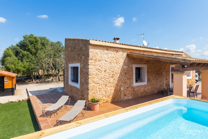 Son Matet. Cozy rustic finca with pool and garden