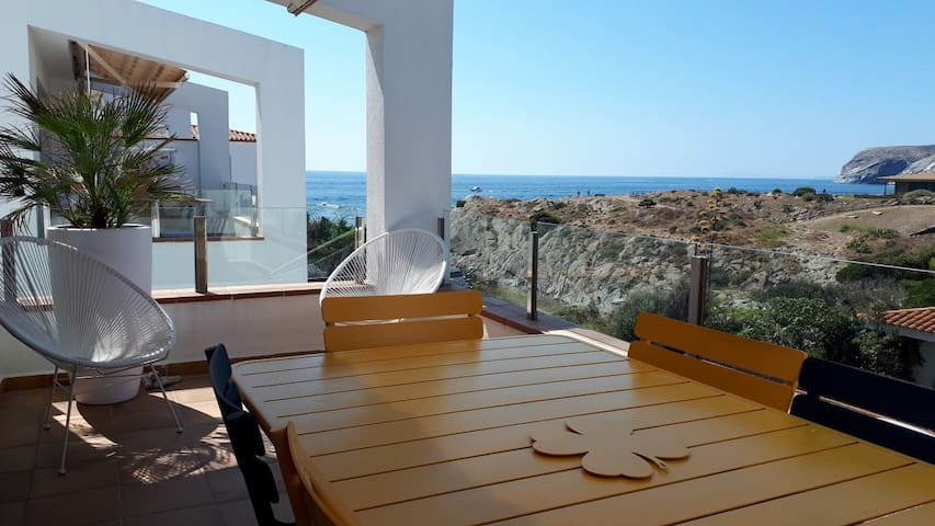 101.94 Duplex apartment, with sea views in Caials