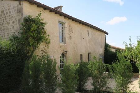 Maison proche Cognac, Bordeaux - House