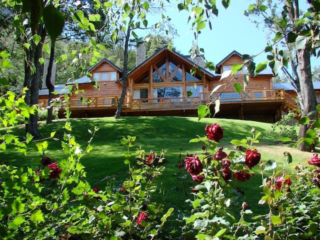 Única y espectacular casa en Arelauquen Golf & CC