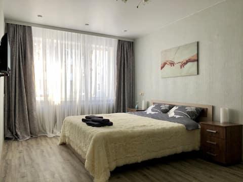 Уютная, очень светлая квартира на 2 Южной