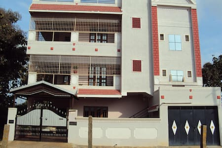 Fully furnished home for your comfortable stay - Bengaluru - House - 1