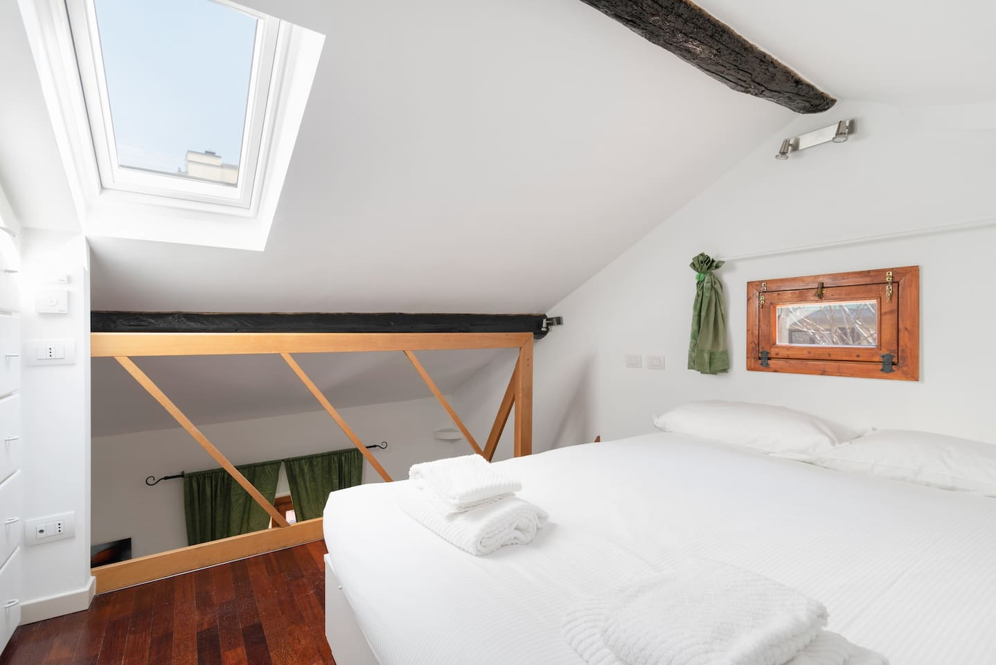 - The Attic with the comfortable double bed with soft bed- linen and towels-