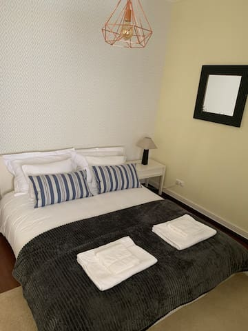 Quarto   Bedroom   Chambre   Einzelzimmer