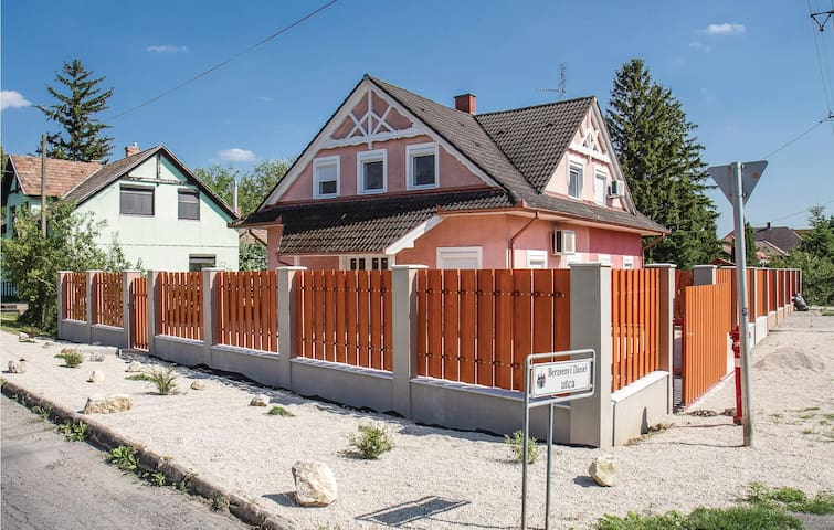 Semi-Detached with 3 bedrooms on 120m² in Balatonkeresztúr