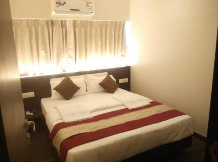 Deluxe suite EP · Deluxe suite room in Vasai East