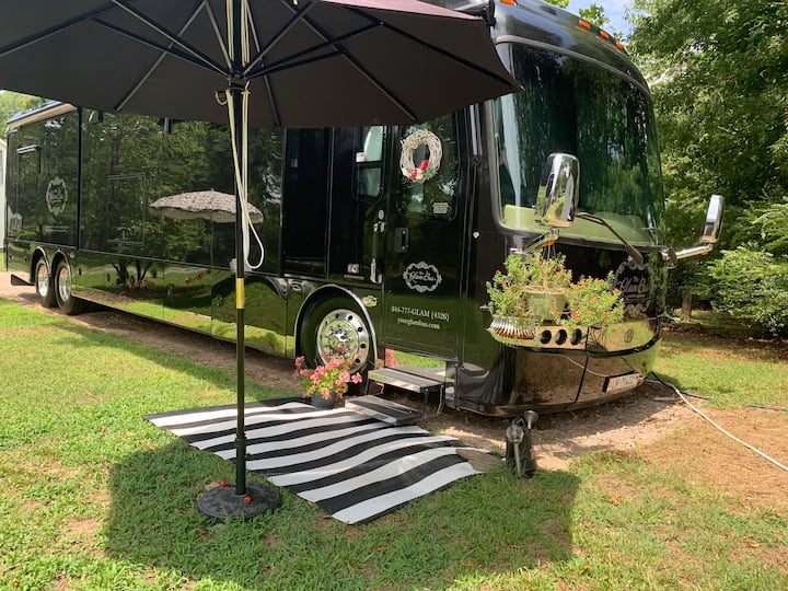 The Glam Bus... Your RV glamping experience...
