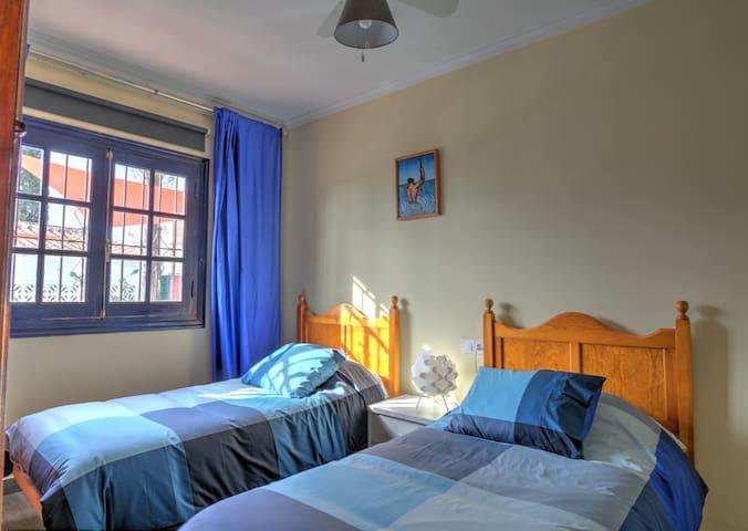 Dormitorio 2 / Bedroom 2