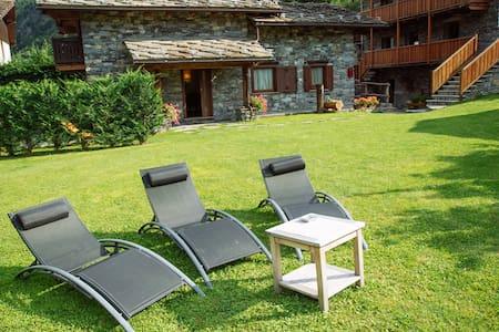 Villa tipica con giardino - Villa