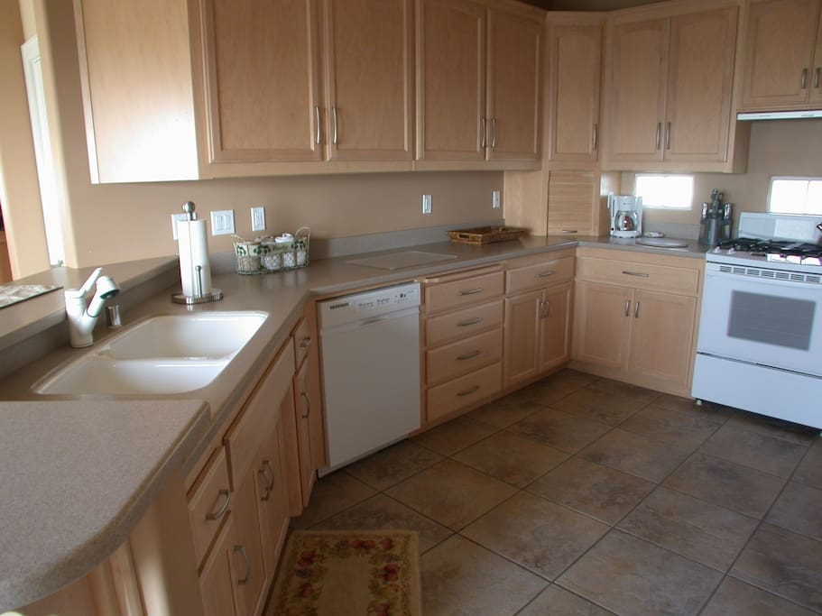 361 C Hinds-Kitchen
