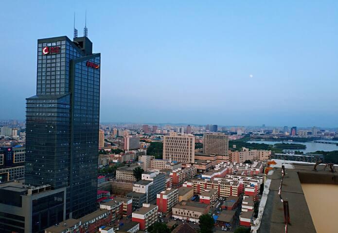 红旗街万达广场38层顶楼俯瞰长春市整套精装住宅家庭房38floor city view