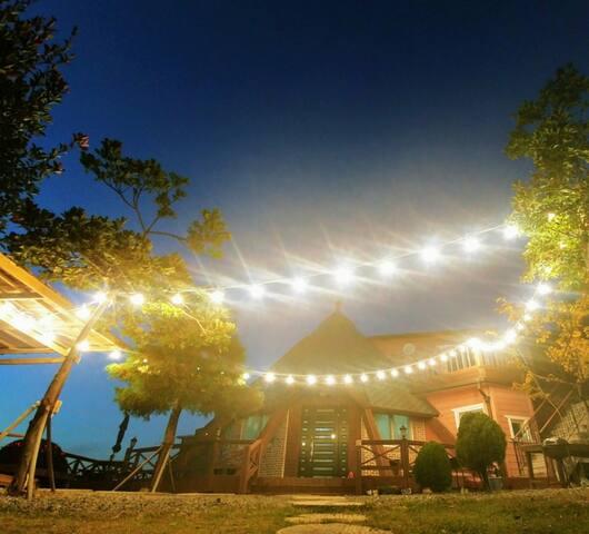 거제시 조용한  전원주택!!        //노을이 아름다운집//숯만가져오시면#바베큐#OK