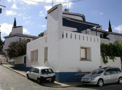 Casa Dr. Barata - Vila Viçosa - Квартира