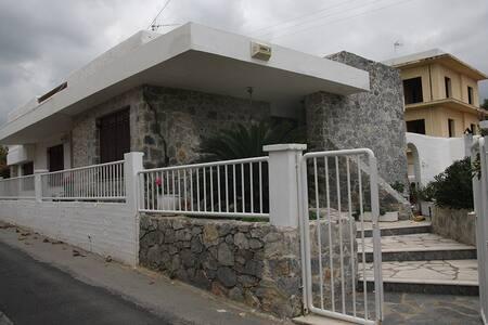 Εξοχικό Κοκκίνη Χάνι - Kokkini Hani - House
