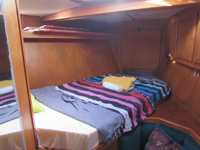 La cabine avant de notre voilier.