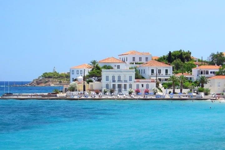 Spetses ''Swim and Stay''- Beach at your footsteps - Nisi - Feriehjem