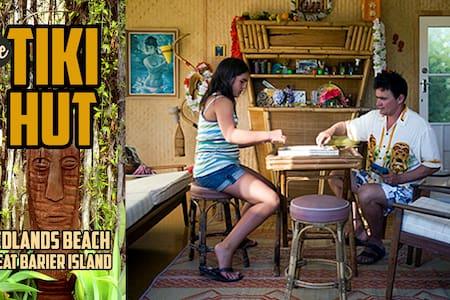 Tiki Hut Medlands Beach - Great Barrier Island - Rumah