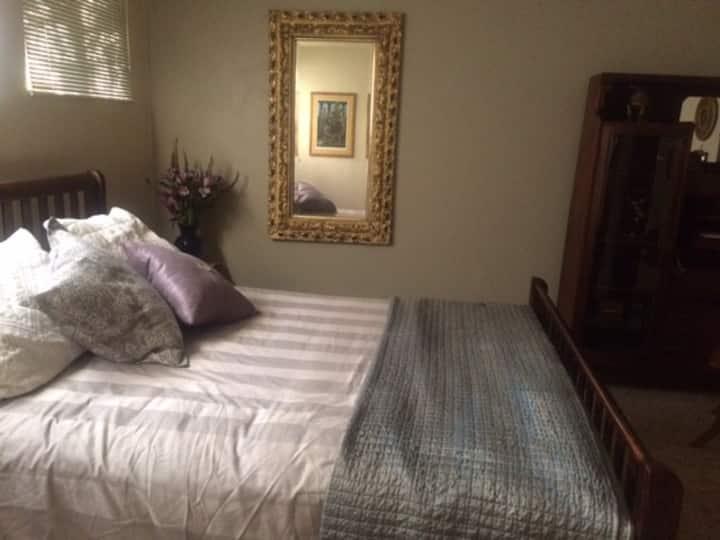 Cien Sueños / Cozy Private Room in Central Tucson
