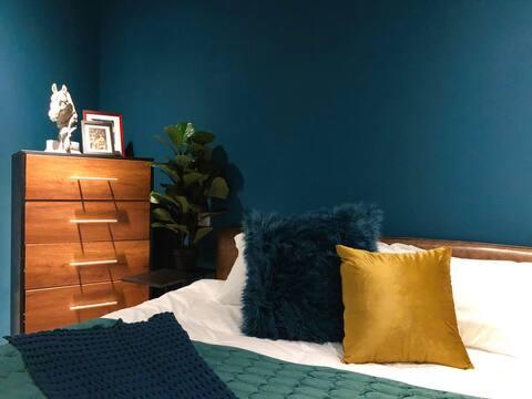 【设计师的小房间】时尚艺术精品公寓|万象城对面|近航洋|楼下地铁口【阿予屋企】