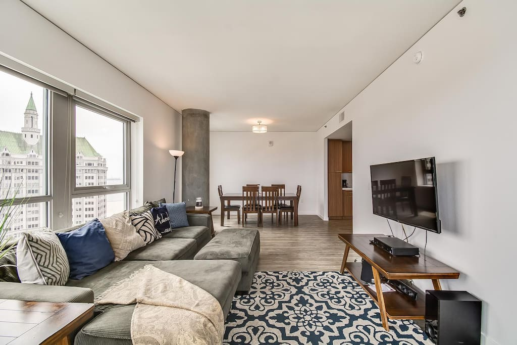 Large Living/Dining area.  Flat screen TV with Premium cable and ultra fast Wifi