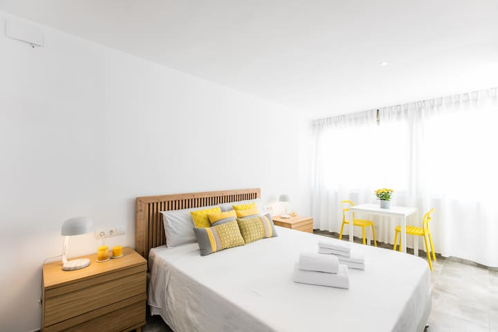 Room with bathroom-Ibiza Town (2B) - Ibiza - Condominium