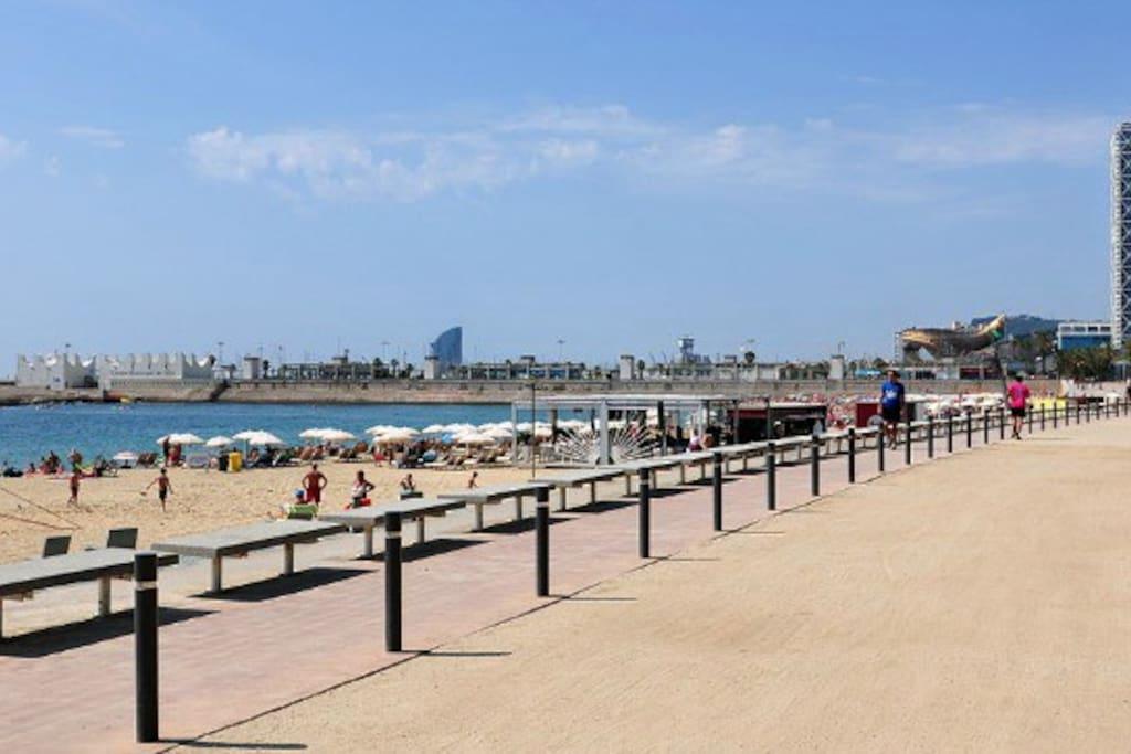 Nova Icaria Sea Boulevard