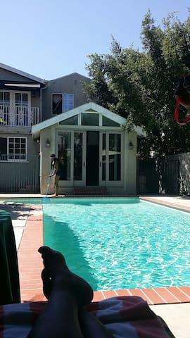 Cozy Pool House in Leimert Park