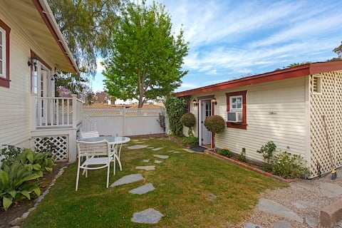 Charming Casita in Old Town San Diego with Parking