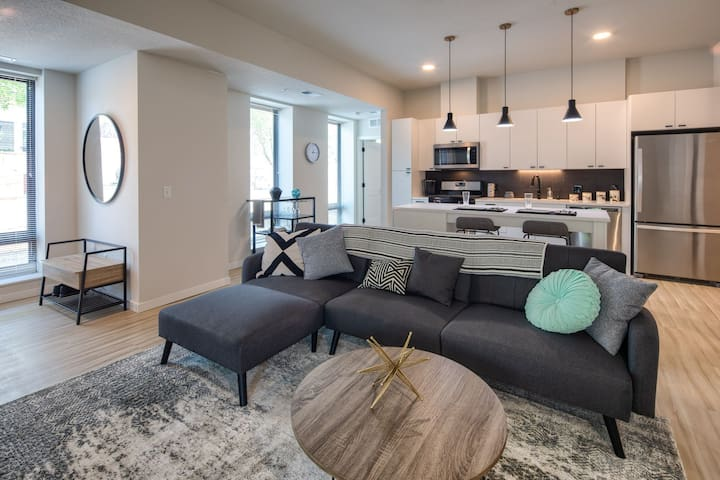 Professionally maintained apt | Studio in St. Paul