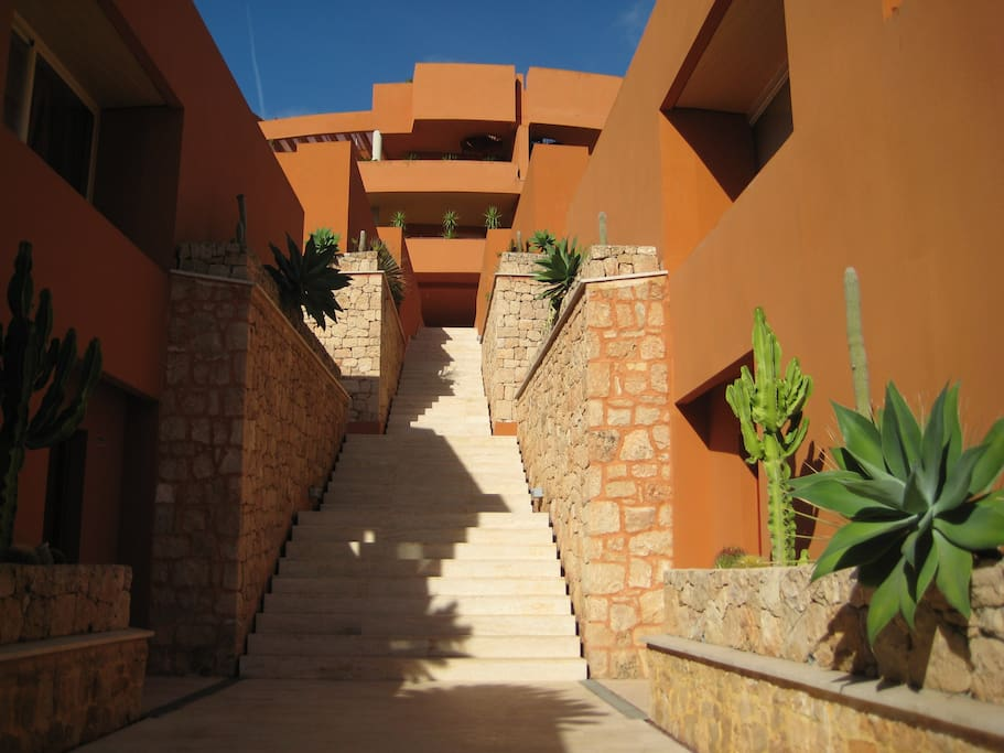 Beautiful apartment near ibiza golf condo te huur in cap - Residence de standing saota roca llisa ...