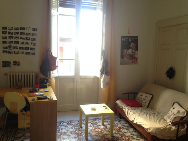 Center, single/ twin room plus double sofabed. - Pescara