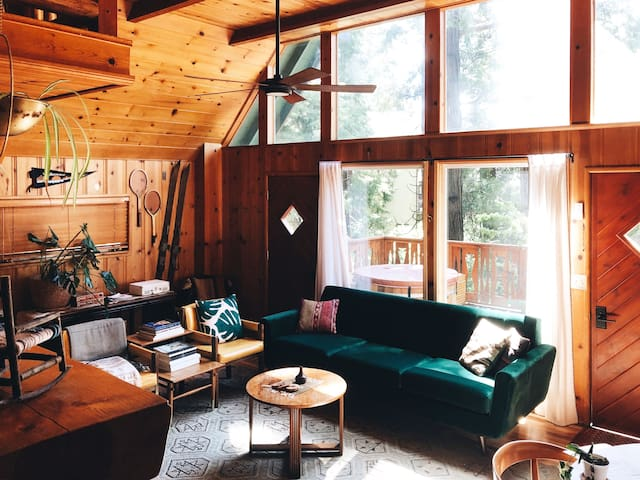 Road Trip A-Frame Cabin in Lake Arrowhead