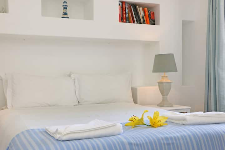 Spacious 1 bedroom apartment with braai balcony