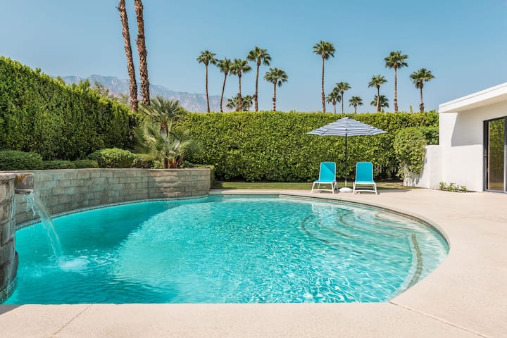 Palm Springs: Pool, Hotub, Mountain view, Firepit