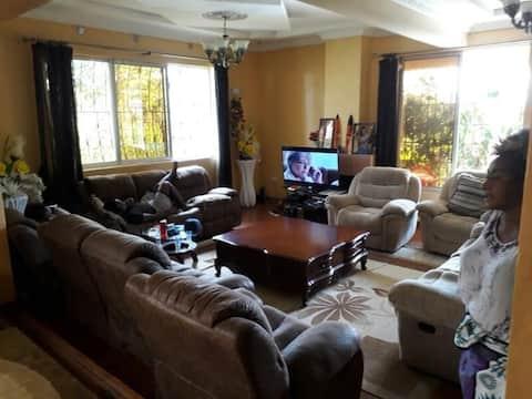 Hermosa Casa - Lunyerere