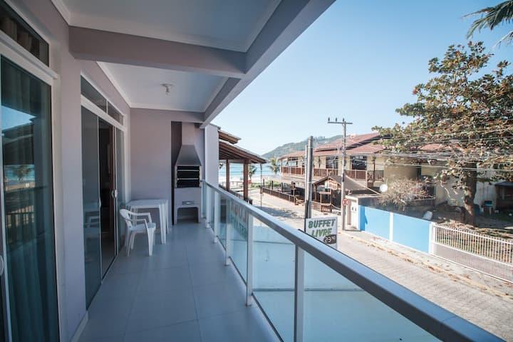 Apartamento com vista ao mar em Bombinhas