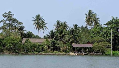 MaeKlong Riverfront Wooden Cabin in Coconut Farm