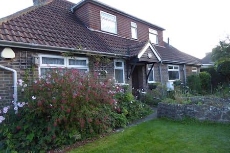 Double Room/garden with sea views - Fairlight